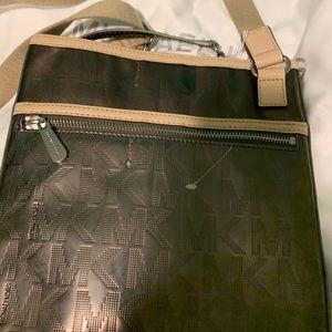 MK messenger bag/ change purse Michael Kors